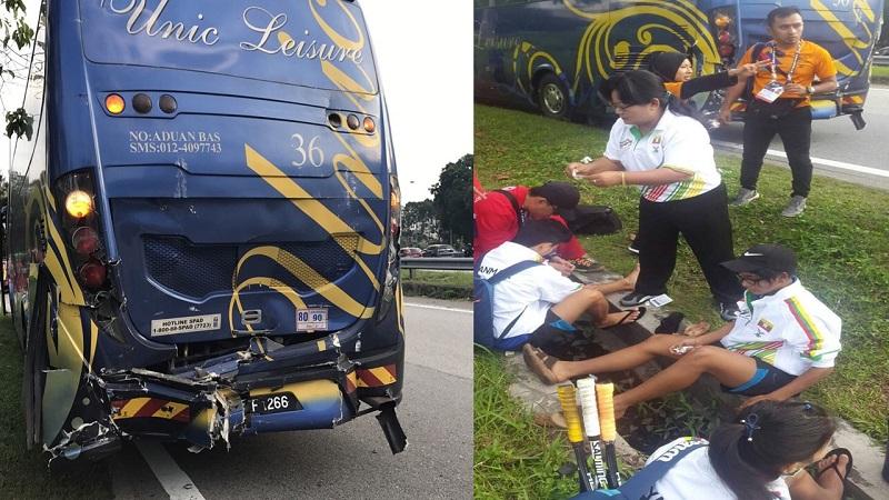 ระทึกรถบัสนักกีฬาสควอชเกิดอุบัติเหตุ