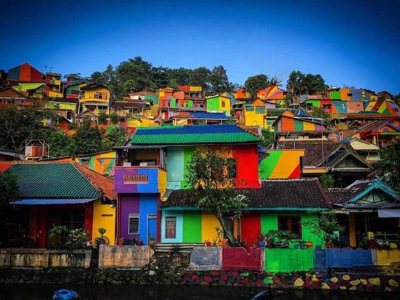 อินโดนีเซียแปลงโฉมชุมชนแออัดเป็นเมืองท่องเที่ยว