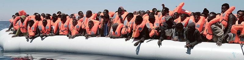 อิตาลีสกัดเรือผู้อพยพกว่า 7 พันคน