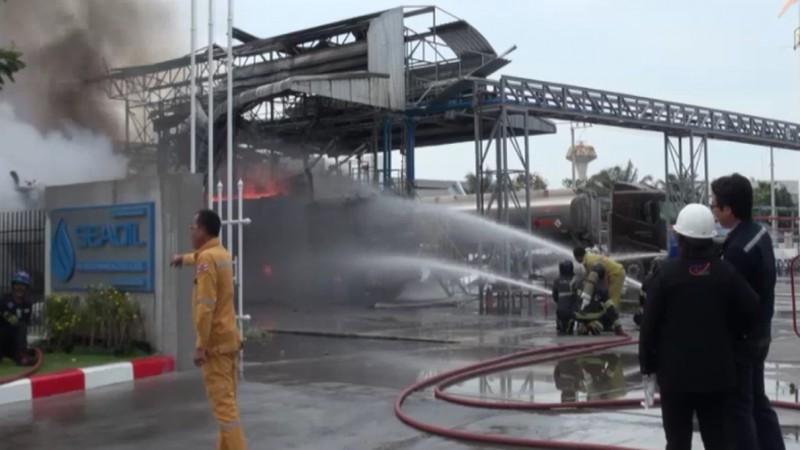 สั่งปิดโรงงาน 30 วันหลังไฟไหม้ถังบรรทุกน้ำมัน