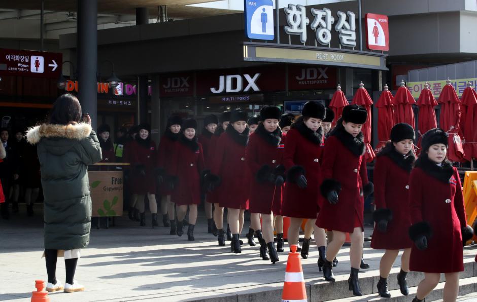 จนท.-เชียร์ลีดเดอร์โสมแดงเดินทางถึงเกาหลีใต้